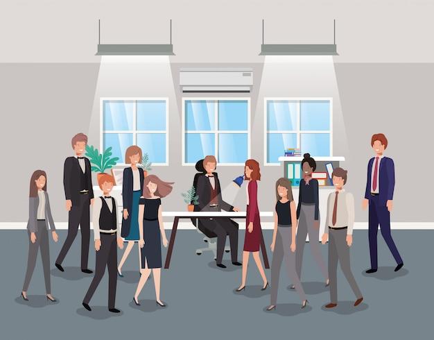 Bureau moderne avec des hommes d'affaires Vecteur Premium