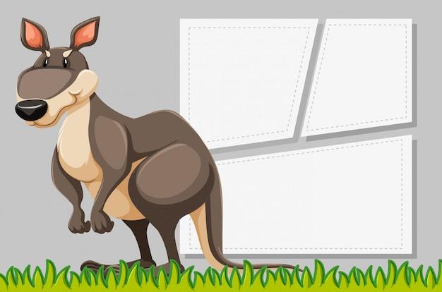 Cadre animal avec modèle d'affiche vierge Vecteur gratuit