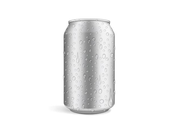 Canette De Bière Avec Des Gouttes Isolées Sur Blanc Vecteur Premium