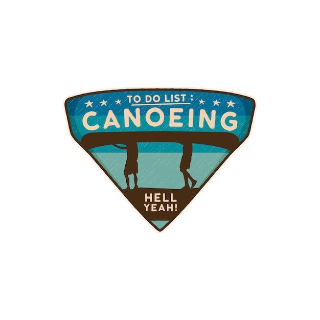 Canoë logo emblème. patch de canoë badge de voyage dessiné main vintage Vecteur Premium