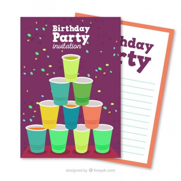 Carte d'anniversaire de fête avec des gobelets en plastique Vecteur gratuit