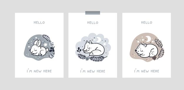 Carte Avec Des Bébés Animaux Dans Le Trou Pour Fille Ou Garçon Nouveau-né. Cartes D'étape De Bébé. Bonjour Je Suis Nouveau Ici Vecteur Premium