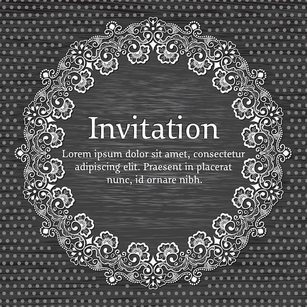 Carte d'invitation et d'annonce de mariage avec dentelle ronde ornementale avec des éléments d'arabesque. Vecteur gratuit