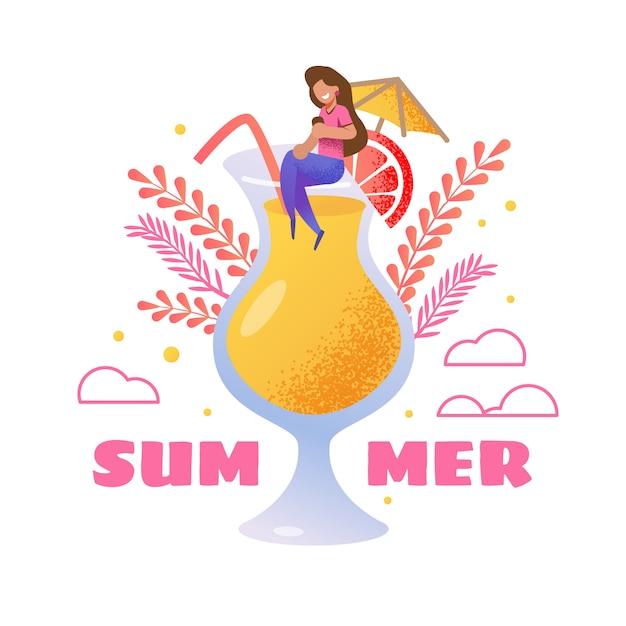 Carte d'invitation d'été. femme de bande dessinée vecteur assis sur un grand verre rempli Vecteur Premium