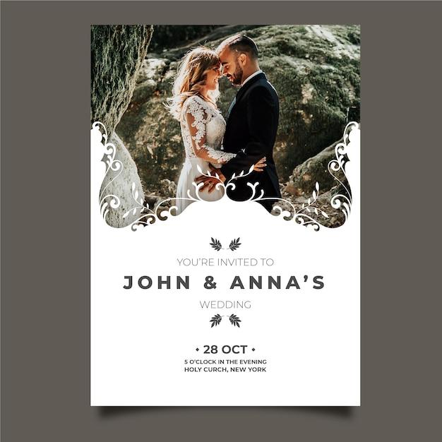 Carte de mariage avec photo du marié et de la mariée Vecteur gratuit