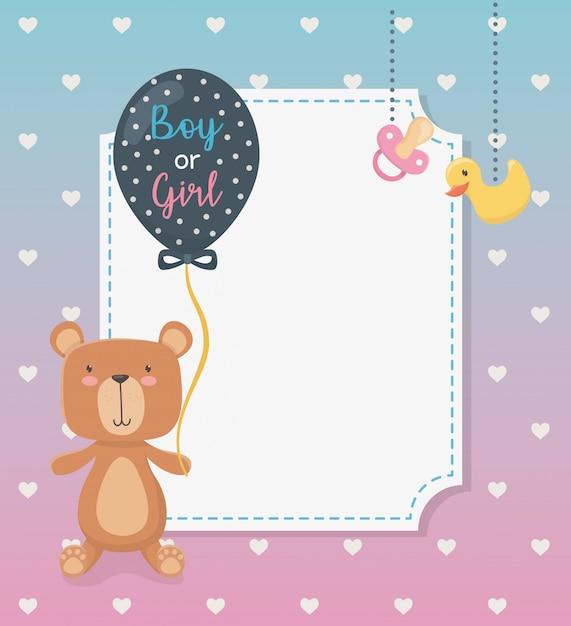 Carte de naissance avec un ourson en peluche et des ballons à l'hélium Vecteur gratuit