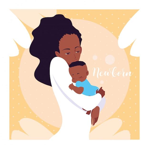 Carte de nouveau-né avec maman afro et mignon petit fils Vecteur Premium