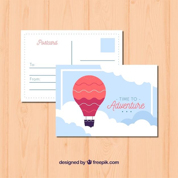 Carte postale de voyage avec montgolfière dans le ciel Vecteur gratuit