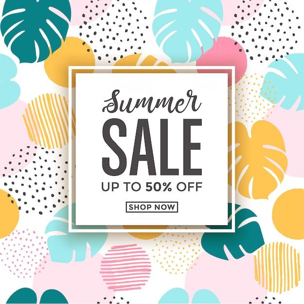 Carte de vente d'été avec motifs de feuilles tropicales sur le thème de l'été Vecteur Premium