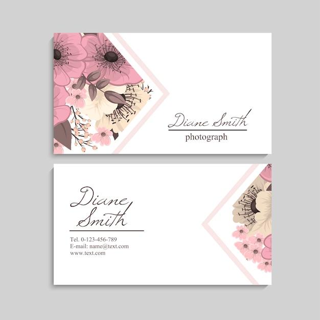 Carte de visite de beau design floral Vecteur gratuit