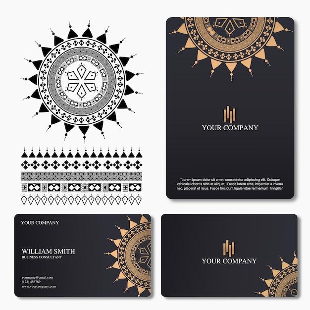 Carte de visite élégante et de luxe avec ornement de mandala Vecteur Premium