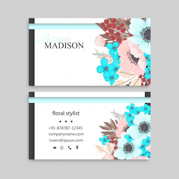 Carte de visite avec des fleurs roses et menthe. Vecteur gratuit