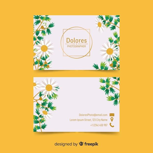 Carte de visite floral avec modèle d'accents dorés Vecteur gratuit
