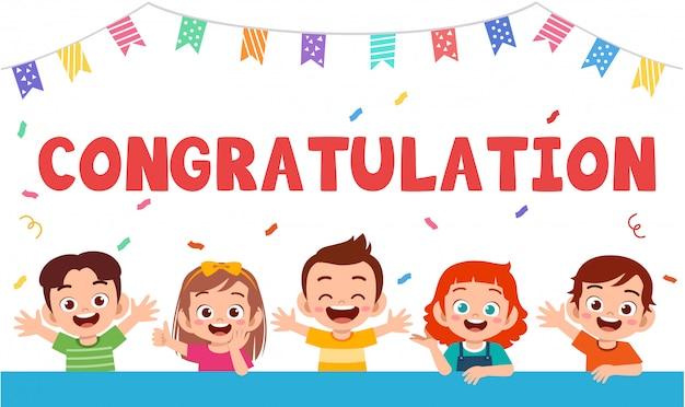 Carte de voeux mignons enfants heureux célébrer l'anniversaire Vecteur Premium