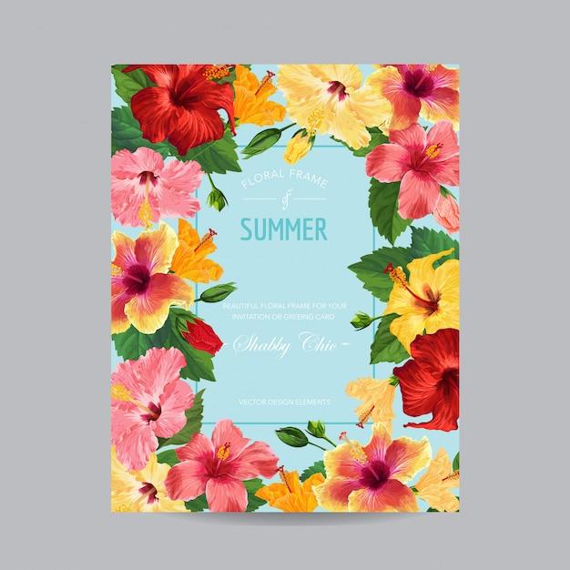 Carte de voeux de printemps et d'été avec cadre. conception florale avec des fleurs d'hibiscus rouges pour une invitation à weding Vecteur Premium