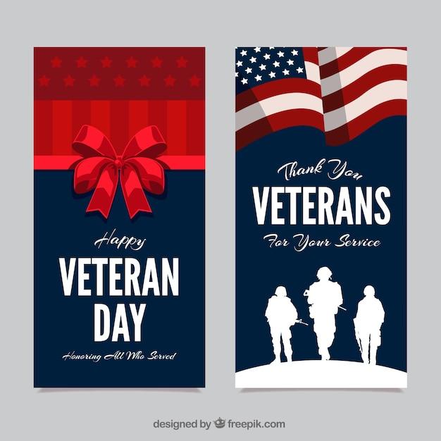 Cartes de voeux avec des silhouettes de soldats et un arc rouge Vecteur gratuit