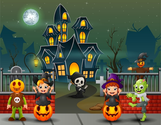 Cartoon happy kids le jour d'halloween Vecteur Premium