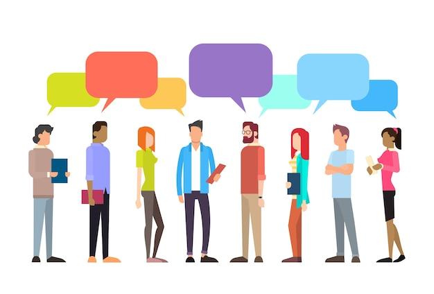 Casual people group chat réseau de communication bubble communication Vecteur Premium