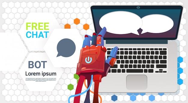 Chat bot hands utilisant un ordinateur portable, une assistance virtuelle du robot d'applications de site web ou Vecteur Premium