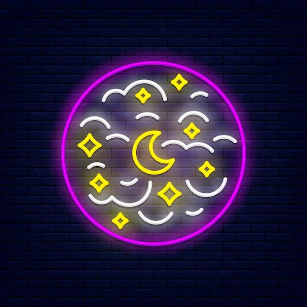 Ciel de nuit avec mois, étoiles et nuages Vecteur Premium