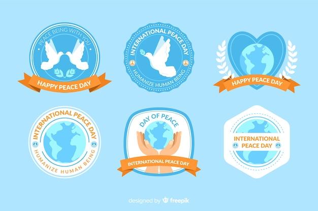 Collection d'étiquettes plates pour le jour de la paix Vecteur gratuit