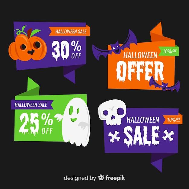 Collection d'étiquettes de vente halloween plat sur fond noir Vecteur gratuit