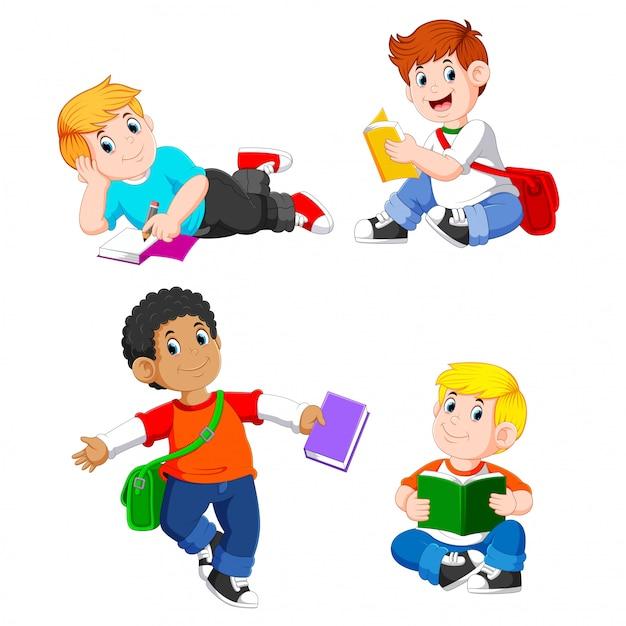 La collection de garçon étudie avec leurs livres avec la pose différente Vecteur Premium