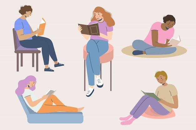 Collection de jeunes lisant des livres Vecteur gratuit