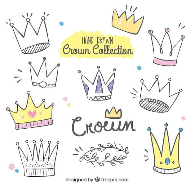 Collection à la main de couronnes drôles Vecteur gratuit