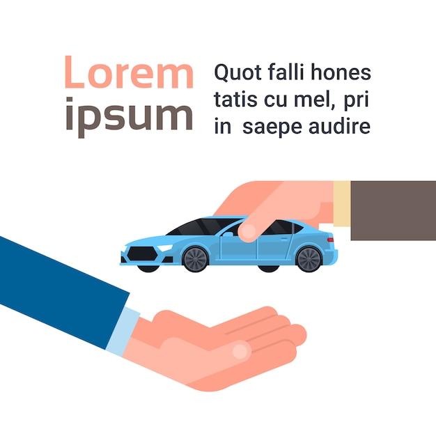 Concept d'achat ou de location de voiture, main de vendeur donnant un véhicule au propriétaire Vecteur Premium