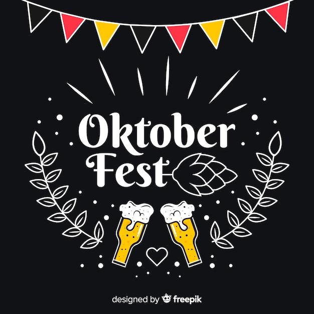 Concept oktoberfest avec fond de tableau noir Vecteur gratuit