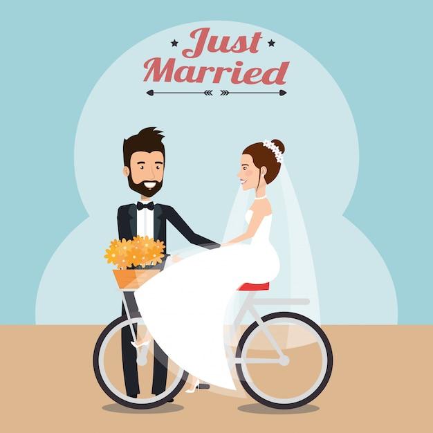 Couple juste marié en personnages d'avatars à vélo Vecteur gratuit