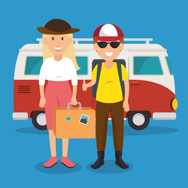 Couple de voyageurs avec des personnages de valises Vecteur gratuit