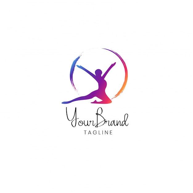 Création De Logo Fitness Femme Vecteur Premium