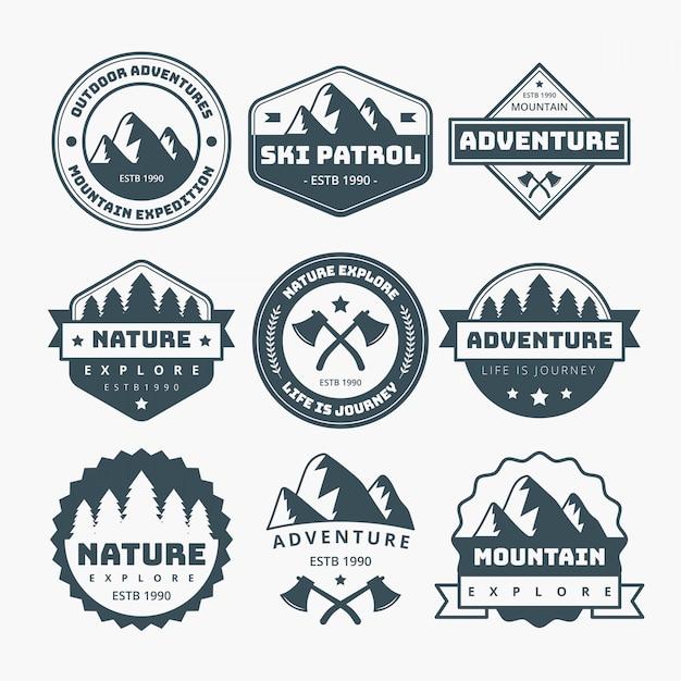 Design étiquettes de montagne Vecteur Premium