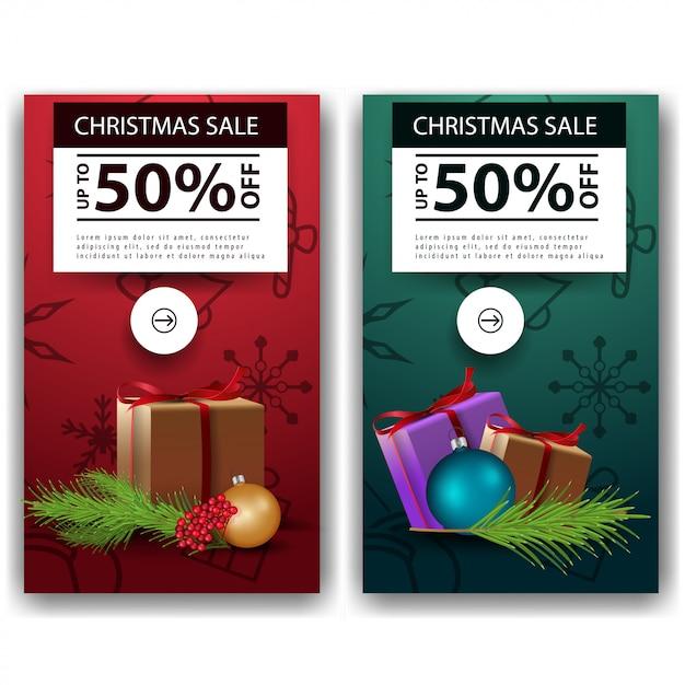 Deux bannières de réduction de noël dans un style minimaliste avec des cadeaux Vecteur Premium