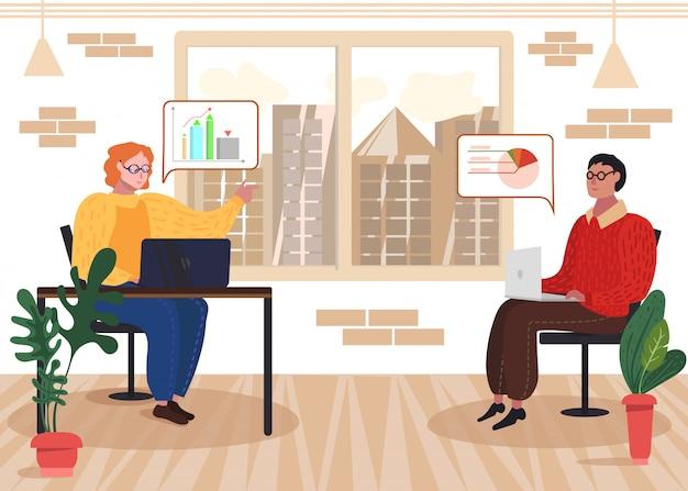 Développeur Avec Ordinateur Portable Discuter Des Statistiques De Données Vecteur Premium