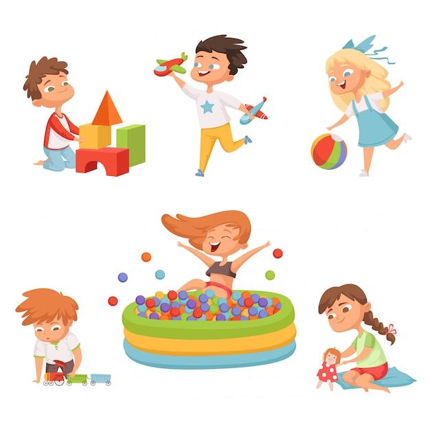 Enfants d'âge préscolaire jouant avec divers jouets Vecteur Premium
