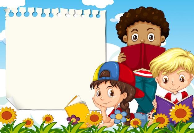 Les enfants au jardin notent avec fond Vecteur gratuit