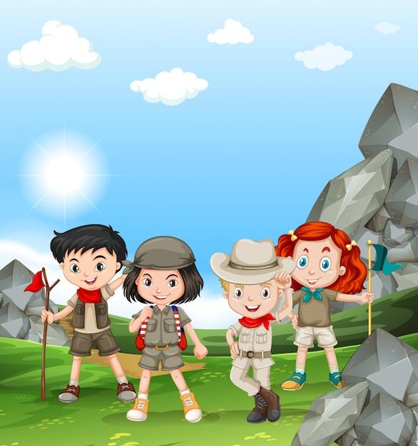 Enfants campant sur le terrain Vecteur gratuit