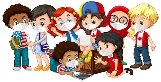 Enfants De Cultures Multiples Portant Un Masque Vecteur gratuit