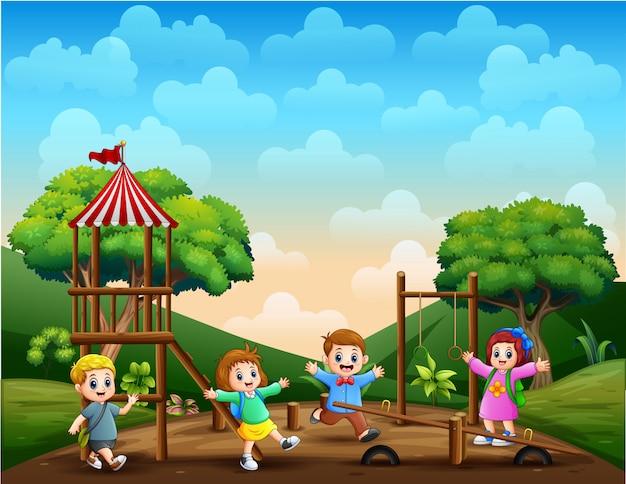 Enfants Drôles Dans L'illustration Du Parc Vecteur Premium