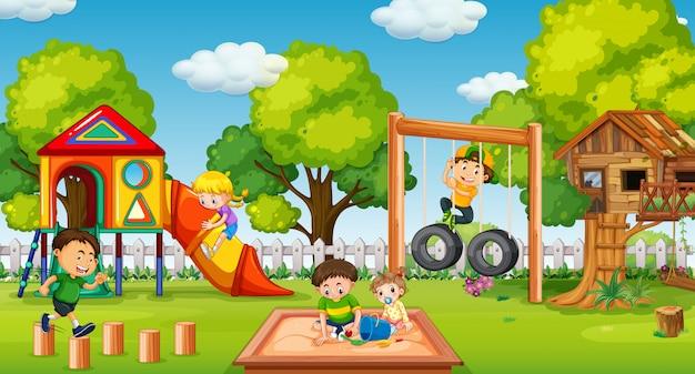 Enfants jouant dans une aire de jeux amusante Vecteur Premium