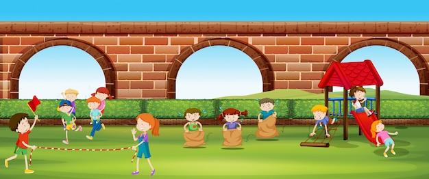 Enfants Jouant à Des Jeux Dans Le Parc Vecteur gratuit