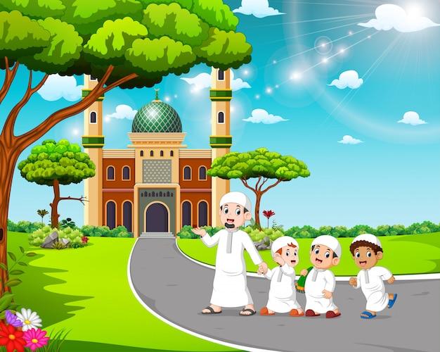 Les enfants marchent à la mosquée avec leur père Vecteur Premium