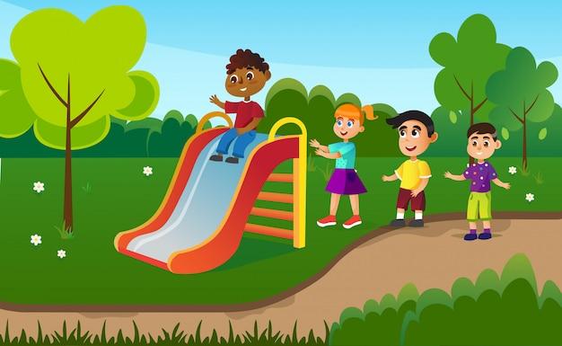 Enfants S'amusant Sur Toboggan, Activités Du Camp D'été. Vecteur Premium