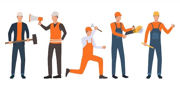 Ensemble de constructeurs, contremaître et bricoleurs travaillant Vecteur gratuit