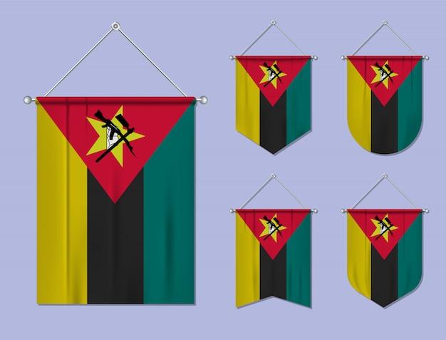 Ensemble De Drapeaux Suspendus Mozambique Avec Texture Textile. Formes De Diversité Du Pays Du Pavillon National. Fanion De Modèle Vertical Vecteur Premium