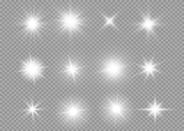 Ensemble D'effets De Lumière Transparente Blanche Lueur Isolée, Lumière Parasite, Explosion, Paillettes, Ligne, Flash Solaire, étincelle Et étoiles. Conception D'élément Abstrait Effet Spécial. Rayon D'éclat Avec La Foudre Vecteur Premium