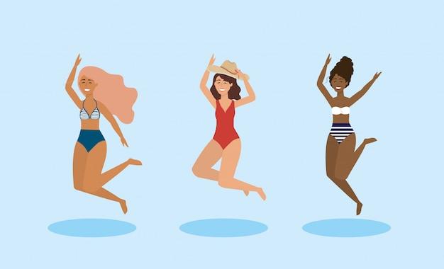 Ensemble de femmes sautant et vêtu d'un maillot de bain avec chapeau Vecteur Premium